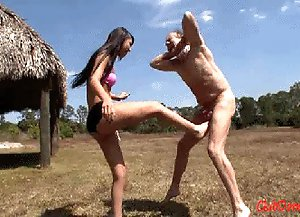 Esmi Loves Ballbusting
