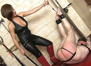 A Painful Slave Whipping